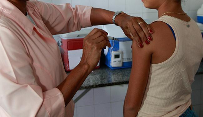 A medicação é gratuita e faz parte do calendário nacional - Foto: Margarida Neide | Ag. A TARDE