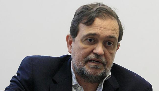Senador tenta em Brasília emplacar o projeto idealizado por ele e mais seis colegas - Foto: Luciano da Matta   Ag. A TARDE