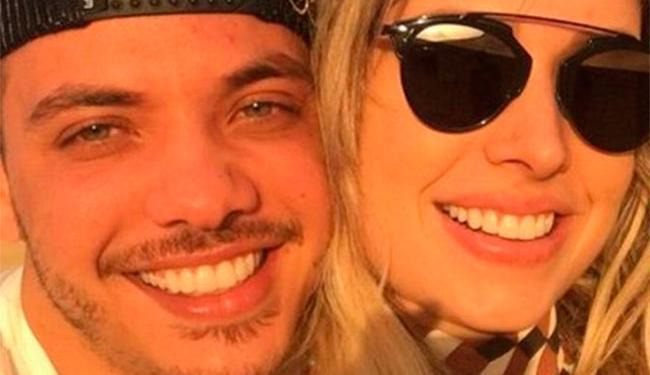 Polêmica começou porque ex-mulher disse que foi traída por cantor com amiga - Foto: Reprodução