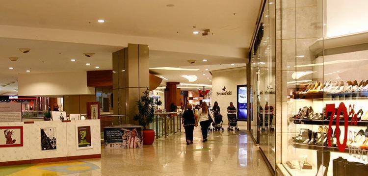 Dia de Finados altera funcionamento de shoppings - Foto: Mila Cordeiro | Ag. A TARDE