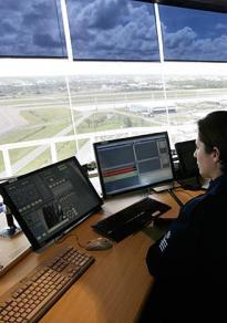 Aeroporto de Salvador recebe nova torre de controle aéreo - Foto: Raul Spinassé l Ag. A TARDE