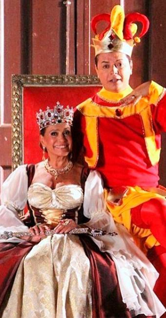 Atriz registrou momento como rainha - Foto: Reprodução | Instagram