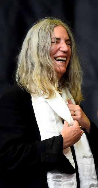 A escritora Patti Smith, famosa como ícone do punk rock, lança novo livro, Linha - Foto: Dylan Martinez l Reuters