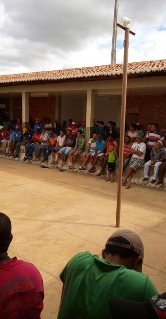 Os funcionários, que foram demitidos, estão sem receber salário desde fevereiro. - Foto: Divulgação