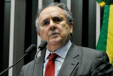'O eleitor vai com raiva para a urna', diz o senador Cristovam Buarque