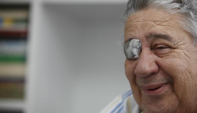 O escultor Tatti Moreno irá comemorar os 45 anos de carreira com um livro - Foto: Lúcio Távora | Ag. A TARDE