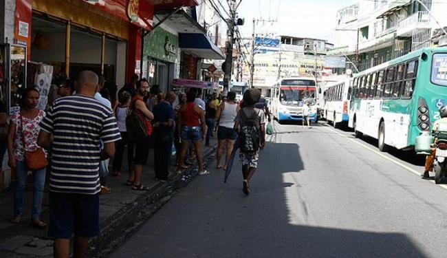 Os ladrões se aproveitam para agir nas primeiras horas da manhã devido ao pouco policiamento - Foto: Edilson Lima | Ag. A TARDE