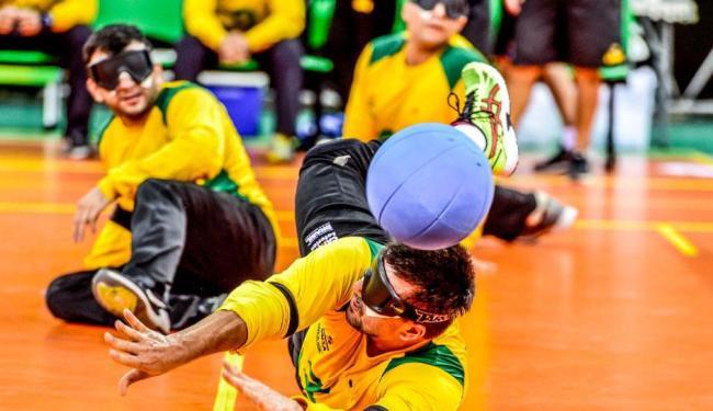 Os atletas de goalball são, ao mesmo tempo, arremessadores e defensores - Foto: Divulgação | CBDV