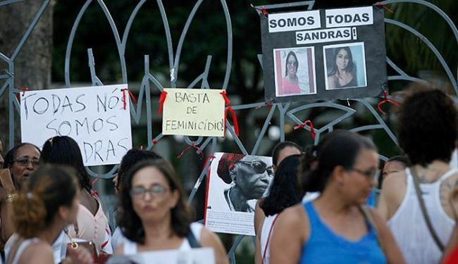 Ato por Sandra Alfonso reuniu 150 pessoas no Campo Grande - Foto: Adilton Venegeroles l Ag. A TARDE