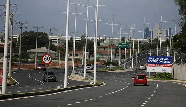A Av. Orlando Gomes se torna uma das mais estruturadas vias da capital - Foto: Raul Spinassé l Ag. A TARDE