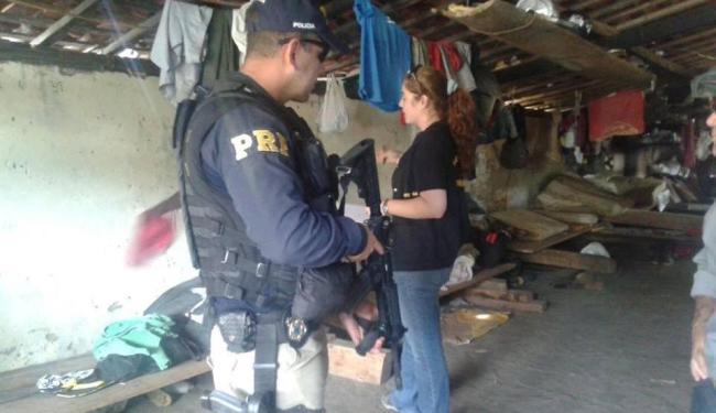 Fiscais libertam 5 pessoas em condição análoga à de escravo em Conquista - Foto: Ascom PRF-BA / Divulgação