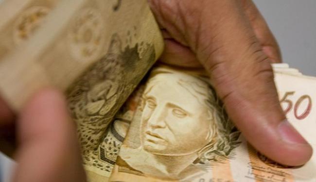 Com relação ao valor da dívida em atraso, o cenário piorou em sete meses - Foto: Thiago Teixeira I Ag. A TARDE l 30.01.2009