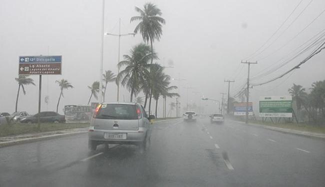 Em 24 horas, choveu em Salvador cerca de 40% do total de precipitação ocorrida em abril - Foto: Edilson Lima   Ag. A TARDE