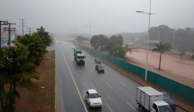 Tempo deve ficar nublado a semana inteira - Foto: Edilson Lima   Ag. A TARDE