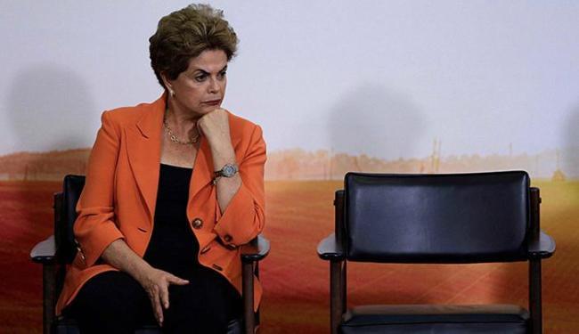 Dilma diz que não desistirá do seu mandato - Foto: Ueslei Marcelino l Reuters