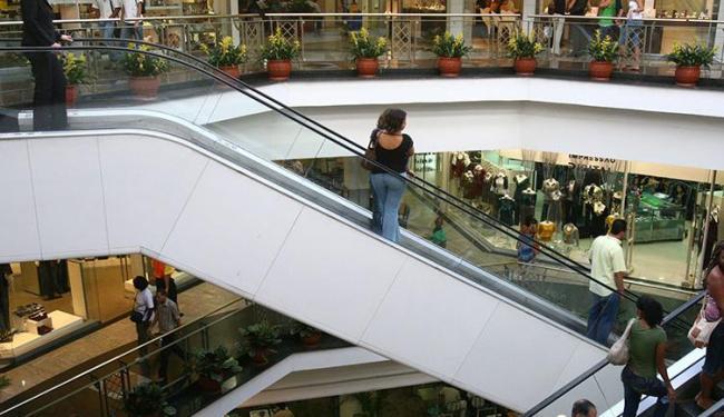 As escadas rolantes podem oferecer riscos às crianças - Foto: Iracema Chequer | Ag. A TARDE