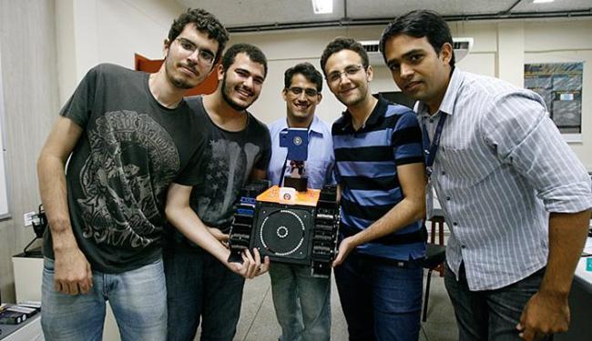 Estudantes da Unifacs brilham em prêmio no México - Foto: Adilton Venegeroles l Ag. A TARDE l 28.4.2016