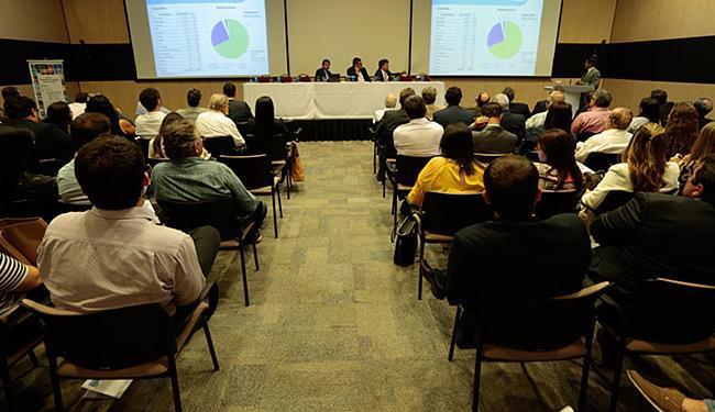 Evento na sede da Odebrecht, em Salvador, discutiu as perspectivas do complexo químico do estado - Foto: Lucas Melo l Ag. A TARDE
