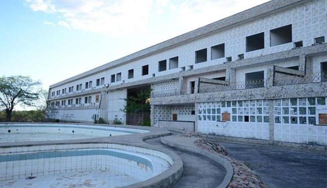 Entre os bens está o Grande Hotel Paulo Afonso, cujo preço mínimo foi estipulado em R$ 3,8 milhões - Foto: Reprodução l Site Ozildo Alves