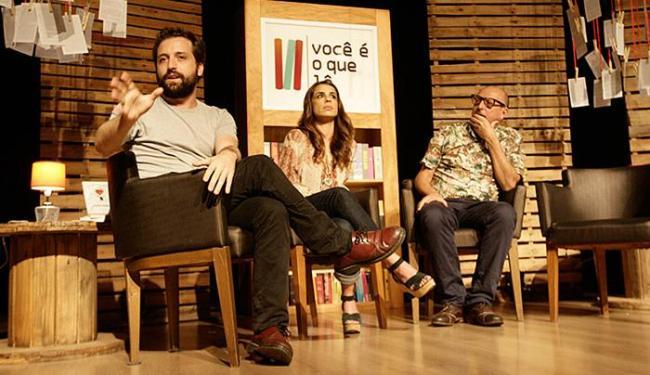 Gregório Duvivier (E), Maria Ribeiro (C) e Xico Sá falaram sobre o mundo da leitura - Foto: Joá Souza | Ag. A TARDE