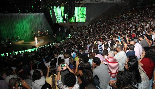 O primeiro dia do festival contou com show da cantora Maria Bethânia - Foto: Margarida Neide / Ag. A TARDE