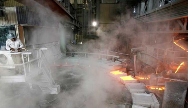Segmento da metalurgia foi um dos que registraram retração - Foto: Luciano da Matta   Ag. A TARDE