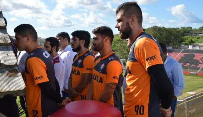 Jogadores do Vitória se uniram na capela para participar de missa - Foto: Francisco Galvão | E.C.Vitória