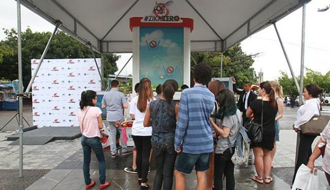 A ação pública é realizada na praça Newton Rique, em frente ao Shopping da Bahia - Foto: Mila Cordeiro l Ag. A TARDE
