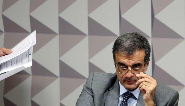 José Eduardo Cardozo disse que fez o que qualquer advogado faria - Foto: Agência Reuters