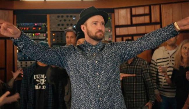 Justin dança no clipe - Foto: Reprodução   Youtube