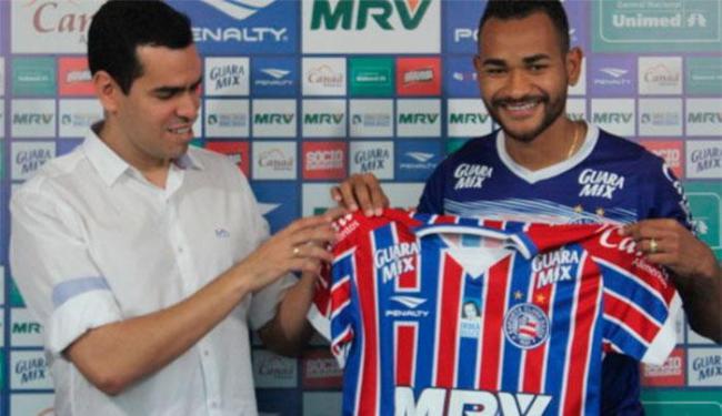 O zagueiro assinou contrato com o Bahia até dezembro de 2019 - Foto: Felipe Oliveira | Divulgação | E.C.Bahia