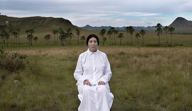 Marina Abramovic visita lugares como o Vale do Amanhecer, Goiânia e a Chapada Diamantina - Foto: Divulgação