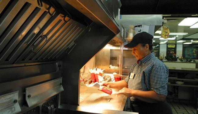 A proposta é oferecer um serviço menos padronizado aos clientes - Foto: Fernando Vivas | 28/08/2003 | Ag. A TARDE