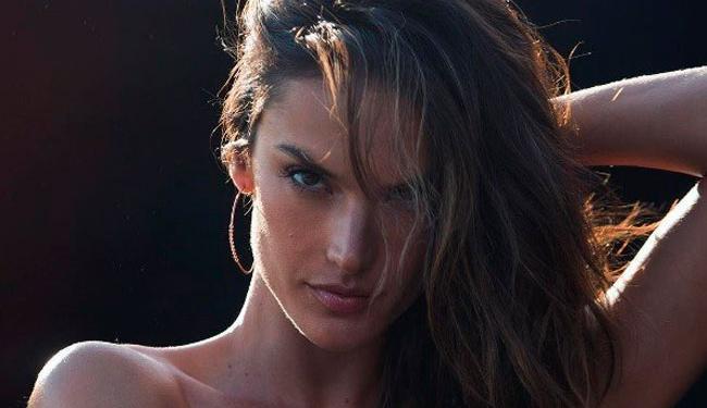 David Bellemere publicou mais uma imagem da modelo sem roupa - Foto: Instagram/ Divulgação