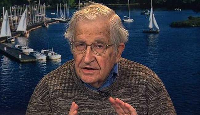 Noam Chomsky é linguista e professor emérito do Instituto de Tecnologia de Massachusetts - Foto: Reprodução | Twitter | @democracynow