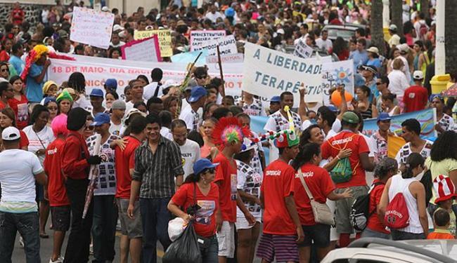 Pacientes, psicólogos e terapeutas participam da Parada do Orgulho Louco - Foto: Claudionor Júnior l Ag. A TARDE l 21.5.2011
