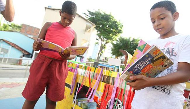 Danilo, 12, e Gustavo, 11, aprovaram a ideia na hora - Foto: Joá Souza l Ag. A TARDE