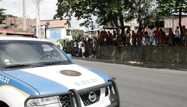 O protesto não teve apoio de moradores do bairro, segundo a polícia - Foto: Edilson Lima   Ag. A TARDE   13.05.2016