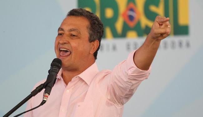 Governador enumerou os motivos para não conceder o reajuste - Foto: Lúcio Távora   Ag. A TARDE   26.04.2016