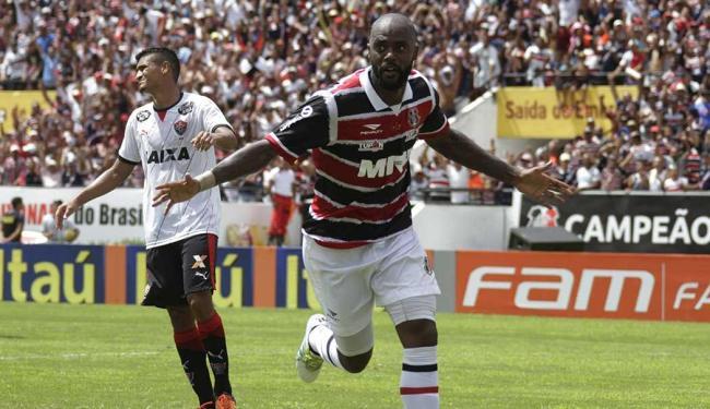 Ataque do Santa funcionou, Grafite marcou 2 e Keno 1 dos 4 gols do time pernambucano - Foto: Bobby Fabisak | JC Imagem