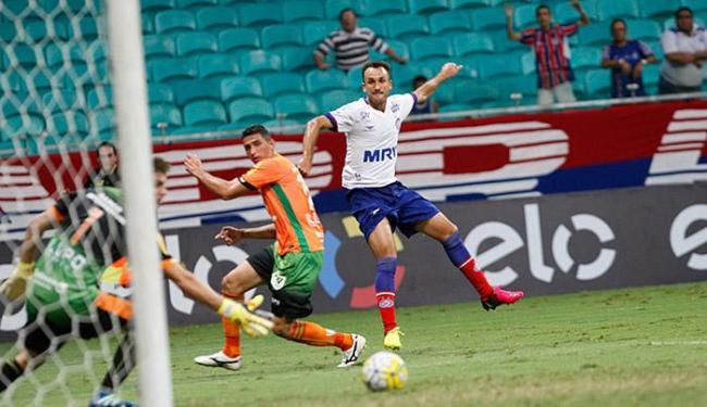 Thiago Ribeiro voltou a perder gols e foi vaiado pela torcida - Foto: Margarida Neide | Ag. A TARDE