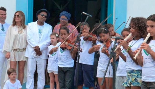 Tito gravou clipe com cantora de jazz e alunos baianos - Foto: Toni Ormundo   Divulgação