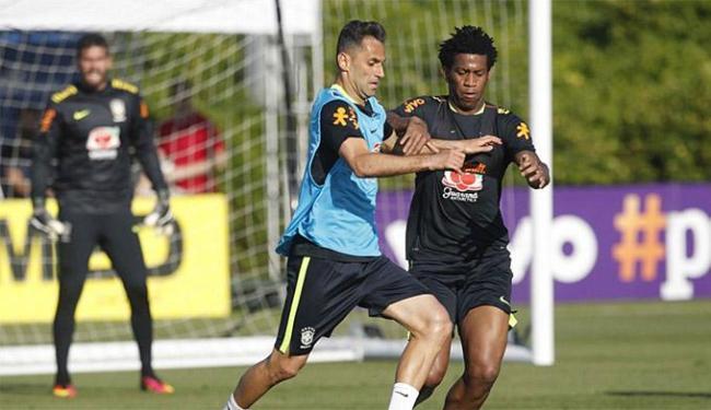 Jonas (E) substitui Ricardo Oliveira, cortado por causa de uma tendinite no joelho direito - Foto: Rafael Ribeiro l CBF