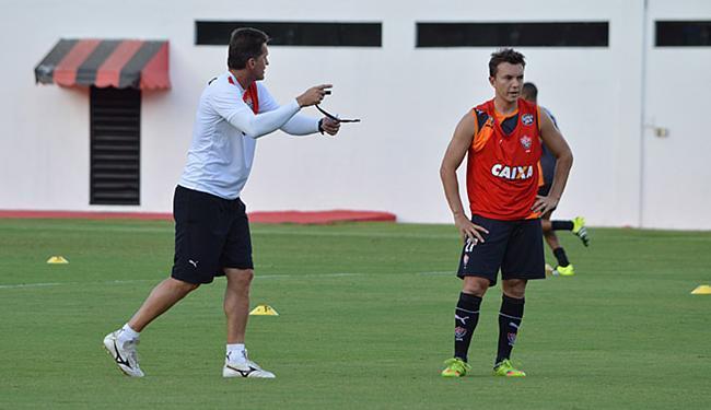 Mancini pode escalar Dagoberto (D), mas afirma que atacante ainda não está em sua melhor forma - Foto: Francisco Galvão l EC Vitória