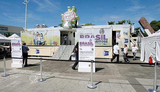 Unidade móvel itinerante está instalada na praça Newton Rique, em frente ao Shopping da Bahia - Foto: Luciano da Matta l Ag. A TARDE