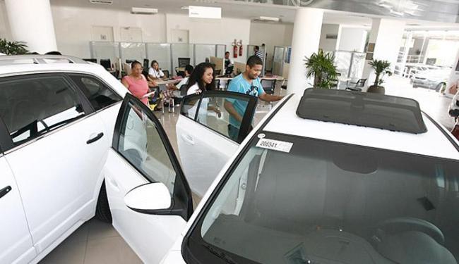 O total de veículos financiados na Bahia somaram 15.085 unidades - Foto: Luciano da Matta | Ag. A TARDE l 28.12.2013