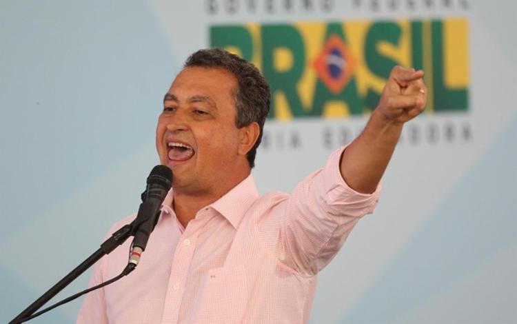 Rui Costa, sindicalista de origem, acabou comprando briga feia com os sindicatos - Foto: Lúcio Távora   Ag. A TARDE   26.04.2016