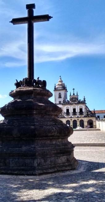 Cruzeiro feito de pedra caucária - Foto: Yuri Silva | Ag. A TARDE