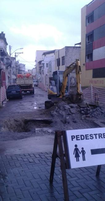 Via que dá acesso à Rua Oswaldo Cruz é interditada no Rio Vermelho - Foto: Reprodução Google