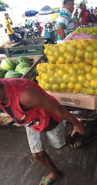Ação da Superintendência do Trabalho flagrou jovens trabalhando na Ceasa (CIA) - Foto: Divulgação l SRTE